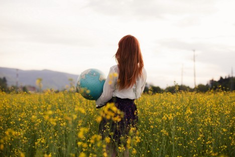 2933043-women-model-long-hair-redhead-women-outdoors-rear-view-blouses-skirt-globes-nature-field-flowers___people-wallpapers