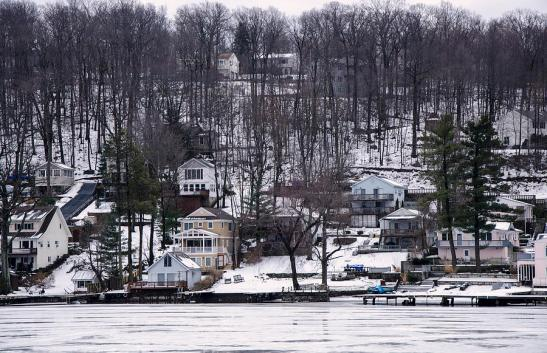 winter-scene-on-lake-hopatcong-maureen-e-ritter